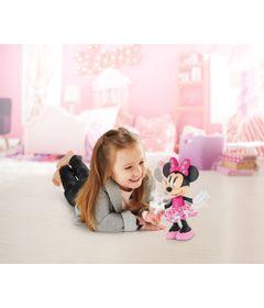 Boneca-Articulada-25-cm---Mickey-Mouse-Clubhouse---Minnie-Mouse-com-Vestido-Colorido---Fisher-Price-DNV63-humanizada